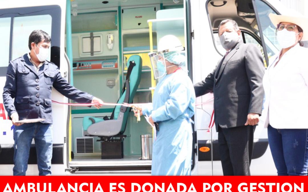 Gobernador de Arequipa dona ambulancia, por gestión del alcalde de Cerro Colorado.